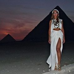Did you know that Beyonce was in Cairo this week? No?  Because let's fuck it one more time!  #elmens #caironightlife #thisisegypt #travel #travelgram #traveling #instatravel #trip #instagood #mytravelgram #nature #photooftheday #holiday #travelling #vacation #adventure #igtravel #instago #travelingram #wanderlust #instapassport #tourism #instatraveling #tflers #tourist #visiting #beach #beautiful #explore #fun