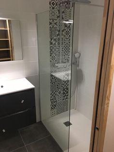 Amazing DIY Bathroom Ideas, Bathroom Decor, Bathroom Remodel and Bathroom Projects to simply help inspire your bathroom dreams and goals. Red Master Bedroom, Small Room Bedroom, Small Rooms, Bedroom Decor, Master Suite, Bed Room, Bedroom Ideas, Bathroom Interior, Modern Bathroom