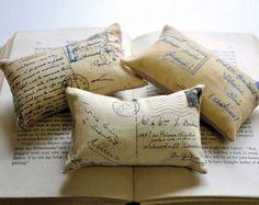 3 almohadas mini de boticario por lisawinestudios en Etsy