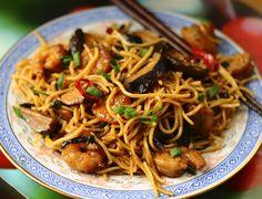 Będziesz to jadł?: Makaron smażony po chińsku Polish Recipes, Polish Food, Wok, Japchae, Noodles, Spaghetti, Yummy Food, Diet, Cooking