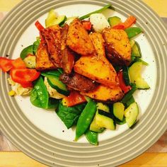 Tonight's dinner! Pesto tossed chicken breast on a bed of fresh spinach sautéed courgette pepper and mangetout with roasted garlic sweet potato! Too good! #healthy #fiveaday #vegetables #fitness #scratchcooking #recipes #sweetpotato #instagood #foodie #food #glutenfree #glutenfreelife #glutenfreerecipes by glutenfreefoodie16