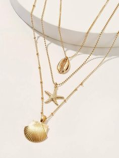 Shop Shell & Starfish Pendant Layered Necklace at ROMWE, discover more fashion styles online. Stylish Jewelry, Simple Jewelry, Dainty Jewelry, Cute Jewelry, Modern Jewelry, Photo Jewelry, Jewelry Accessories, Fashion Jewelry, Jewelry Design