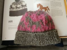 Heppa pipo, ohje kirjasta Islannin neuleet. Beanie, Hats, Fashion, Moda, Hat, Fashion Styles, Beanies, Fashion Illustrations, Hipster Hat