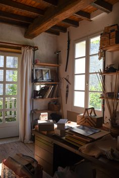 Step Inside a Century Home in the French Countryside Countryside Decor, French Countryside, Countryside Homes, Italian Cottage, French Cottage, La Roque Gageac, French Apartment, European Apartment, Houses In France