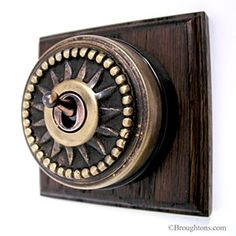 Star Round Dolly Light Switch on Wooden Base Antique Satin Brass A 1 Gang (single switch) what we call: Star dome Switch finished in our Antiqu Window Furniture, Thing 1, Traditional Lighting, Antique Lighting, Pretty Lights, Antique Art, Door Handles, Chrome, Scandinavian