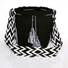 http://handmadecultures.com/88-598-thickbox/mochila-wayuu-unicolor-negra.jpg