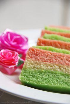 Bolu Kukus Mambo (Indonesian Steamed Cake) -  Bolu Kukus Pelangi (Putih Telur) http://dapoerkoe.blogspot.com.au/2009/04/bolu-kukus-pelangi-putih-telur.html