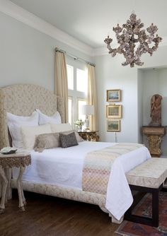 Farrow Ball Pale Powder, again. Looks pale, but a brighter blue window treatment and your pretty quilt would be nice with it. Blue Bedroom, Bedroom Colors, Bedroom Decor, Bedroom Ideas, Farrow Ball, Interior Paint Colors, Interior Design, Paint Colours, Le Ranch