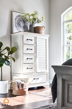 Bedroom storage allows those #SpringVibes and sunlight to shine through, clutter free. Shop our selection of bedroom storage before it's too late. Bedroom Closet Design, Bedroom Storage, Dream Bedroom, Traditional Living Room Furniture, Bedroom Colors, Bedroom Ideas, Guest Room Decor, Master Room, Dining Room Walls