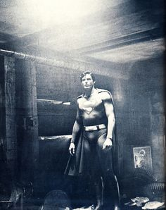 Superman ~ old black and white of Christopher Reeves Superman Movies, Superman Family, Dc Movies, Batman And Superman, Movie Tv, Christopher Reeve Superman, Cinema, Clark Kent, Man Of Steel