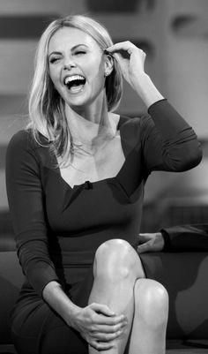 Charlize Theron smile - Cerca con Google