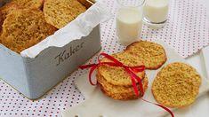 Her er oppskriften på knasende gode julekaker, som for mange er en av de syv slag. Havreflarn er småkaker som er enkle og raske og lage i julen! Christmas Cookies, Christmas Diy, Fondant Figures, Gluten Free Cakes, Oatmeal Cookies, Dessert Recipes, Desserts, Cute Cakes, Fodmap