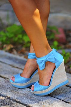 Blue shoe with bow on ankle | Fashion and styles