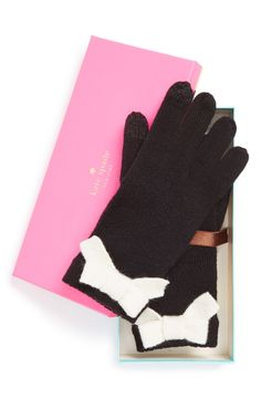 That's a nod for the Kate Spade bow gloves.