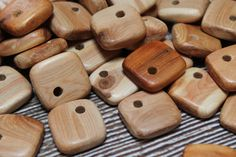 25x25 mm pendant of juniper - Teeth teether - Bead connector pendant - Square pendant/2 - Wood Bead - Natural Wooden Beads - set of 5