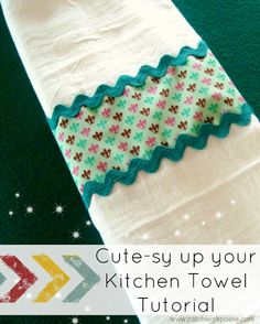 Learn how to cutesy up your plain white muslin Kitchen Towels. This free pattern - Towel Easy Sewing Projects, Sewing Tutorials, Sewing Crafts, Weaving Projects, Towel Crafts, Dish Towels, Tea Towels, Cotton Towels, Hand Towels