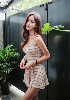 Find images and videos about fashion, kfashion and korean fashion on We Heart It - the app to get lost in what you love. Asian Fashion, Girl Fashion, Asia Girl, Cute Asian Girls, Korean Model, Beautiful Asian Women, Korean Outfits, Asian Woman, Asian Beauty