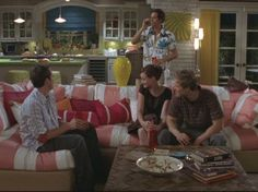 Multiple pictures of Gilmore girls pool house decor. I love this look.and the people in it Gilmore Girls Haus, Gilmore Girls Lorelai, Rory And Logan, Team Logan, Pool House Decor, Girlmore Girls, Mansion Designs, Stock Tank Pool, Girl House