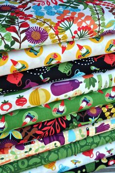 Veggies in Black and other fabrics by Timeless Treasures   Hawthorne Threads Bundle