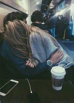 Imagen vía We Heart It https://weheartit.com/entry/164790955 #couple #love