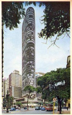 Década de 70 - Edifício Itália (avenida Ipiranga esquina avenida São Luiz) visto a partir da Praça da República.