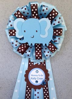 Baby Blue Baby Elephant Mommy-To-Be Corsage Baby Shower Baby Shower Mum, Regalo Baby Shower, Mesas Para Baby Shower, Baby Shower Gift Bags, Baby Shower Photo Booth, Baby Shower Cupcakes, Baby Shower Themes, Shower Ideas, Baby Shawer