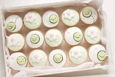 365 eggs - kawaiiful: little pea cupcakes (by hello naomi)