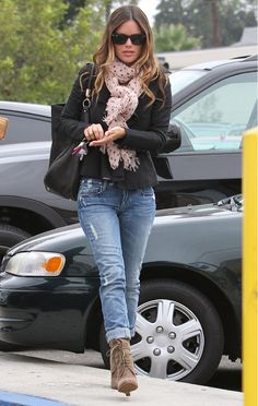 Rachel Bilson - always so stylish