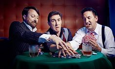 David Mitchell, Lee mack and Rob Brydon do funny things Lee Mack, Rob Brydon, David Mitchell, Poker Face, Photo Grouping, British Comedy, Top Gear, Group Photos, Prince Charming