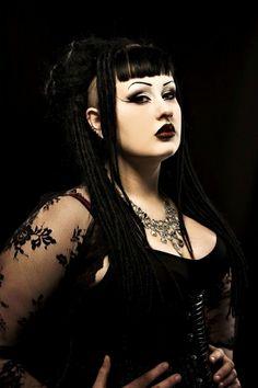 Gothic girl shaved — img 4