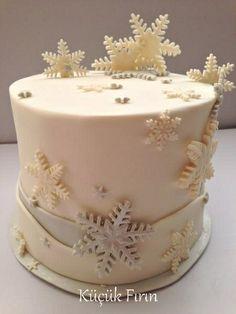 Kar taneleri temalı pasta #yeni yıl #yılbaşı #butik pasta #
