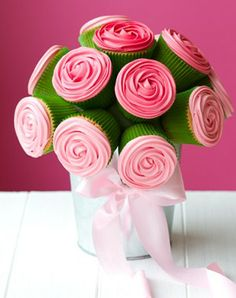 Cute idea! Mothers Day cupcake bouquet (via MadeForMums)