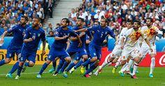キエフの仇は、パリで討たれた。6月27日、パリで行われたEURO2016ベスト16ラウンド屈指の好カードは、イタリアが2-0で王者スペインを下した。