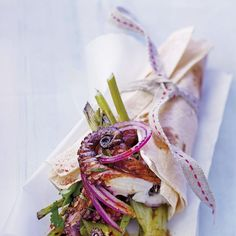 Aperitivos de Navidad: Fajitas de pulpo y verduras Argentine Recipes, Appetizer Recipes, Appetizers, Health Benefits Of Ginger, Canapes, Cooking Time, Natural Remedies, Catering, Food And Drink