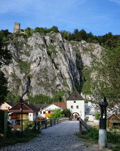 Ihrlerstein-Essing, Castle Randeck on top of the hill  ~ Germany by picsonthemove Panoramio