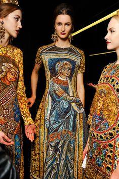 Dolce & Gabbana Fall 2013 Ready-to-Wear Collection - Vogue Look Fashion, Fashion Details, Fashion Art, Fashion Models, High Fashion, Fashion Show, Womens Fashion, Fashion Trends, Fashion Designers