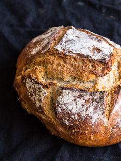 Juurileipä Sourdough Bread, Baking, Drinks, Yeast Bread, Drinking, Beverages, Bakken, Drink, Backen