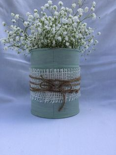 Shabby chic cycled up, misused tin can vase. Perfect for fresh cut flowers or your own inspir. Shabby chic cycled up, misused tin can vase. Perfect for fresh cut flowers or your own inspiration Shabby Chic Crafts, Shabby Chic Kitchen, Shabby Chic Homes, Shabby Chic Decor, Tin Can Flowers, Cut Flowers, Rustic Winter Decor, Tin Can Art, Decoration Evenementielle