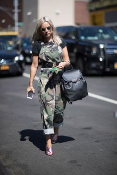 We searched the most popular trends at New York Fashion Week and the military style is right up there. Army green, green khaki and camouflage print looks edgy, and perfect for the upcoming seasons. Camo Fashion, Military Fashion, Fashion Week, New York Fashion, Love Fashion, Autumn Fashion, Womens Fashion, Fashion Trends, Military Style