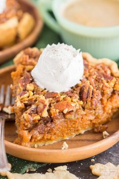 Pecan Pumpkin Pie is the ultimate mashup of classic Thanksgiving desserts! A luscious layer of pumpkin pie and a gooey layer of pecan pie! Best Pumpkin Pecan Pie Recipe, Apple Pecan Pie, Bourbon Pecan Pie, No Bake Pumpkin Cheesecake, Pumpkin Pie Recipes, Baked Pumpkin, Pumpkin Crisp, Pumpkin Pie Mix, Pumpkin Dessert