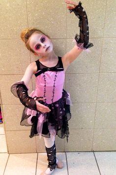 Zombie ballerina Zombie Princess Costume, Girl Zombie Costume, Wind Up Doll Costume, Ballerina Halloween Costume, Zombie Kid, Zombie Halloween Costumes, Halloween Kids, Halloween Party, Halloween 2018