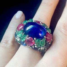 Cartier @jeanmjkim_ I absolutely adore the Cartier 'Tutti Frutti' design. #christiesjewels #cartier #tuttifrutti #ring #sapphire #rubies #emeralds