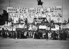 Demonstration in front of the National Congress for the law on Votes for Women Buenos Aires 1948 [1997  1432 ]
