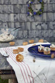 A poucos minutos de uma delícia. #IKEAFood #IKEAPortugal Ikea Portugal, Mini, Xmas Food, Snacks, Dessert, Art For Kids, Dishes, Table Decorations, Finger Food