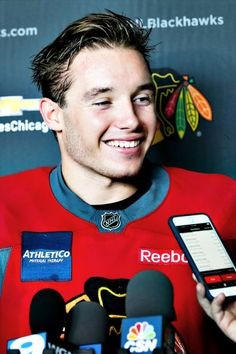 Thank you for your time at the Blackhawks and icehogs ❤️ I will miss you so much if I can find a way to Winnipeg, I'll be there ❤️ Blackhawks Hockey, Hockey Teams, Chicago Blackhawks, Football Players, Hockey Baby, Ice Hockey, Marathon Runners, Life Is Hard, Nhl