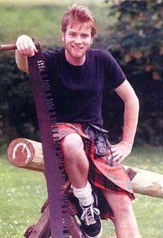 Ewan, of course, totally rocking the kilt.
