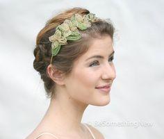 Vintage French Beaded Flower Wedding Headpiece от BeSomethingNew, $85.00