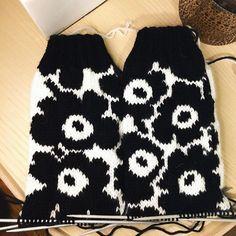 Tapestry Crochet, Knit Crochet, Project Life Scrapbook, Textiles, Marimekko, Knitting Socks, Boho Shorts, Stuff To Do, Knitting Patterns