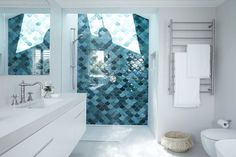 Three Birds Renovation have seen the good and the bad of renovation. Today they'll share the 5 Things to Consider When Designing Your Dream Bathroom. Childrens Bathroom, Baby Bathroom, Bathroom Renos, Laundry In Bathroom, Bathroom Inspo, Bathroom Ideas, Narrow Bathroom, Bathroom Renovations, Bathroom Inspiration