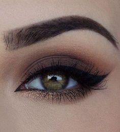 Smudgy, Smokey brown eyeshadow